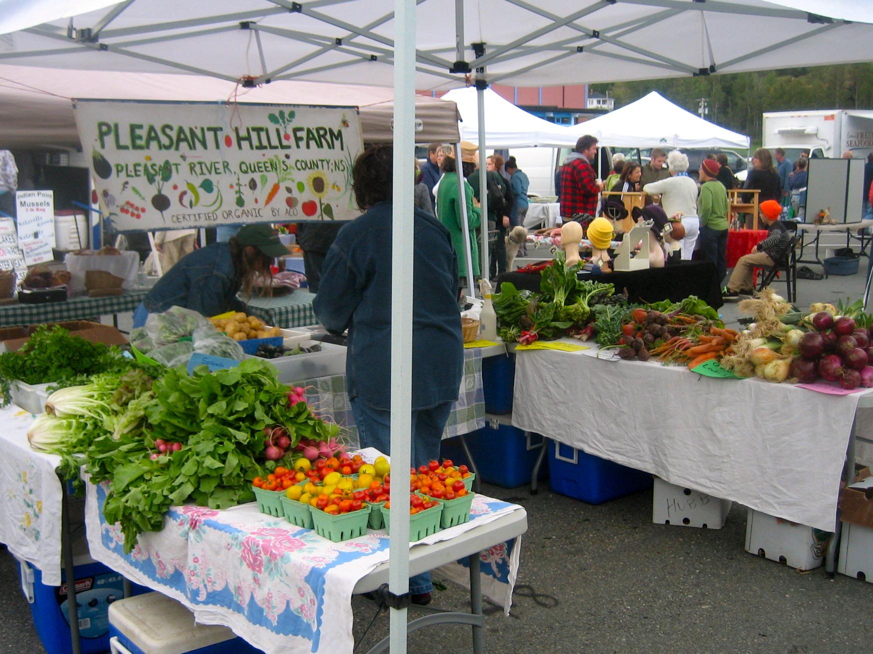 Market Stand Designs : On the road farmers markets of nova scotia — lunenburg